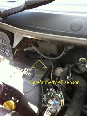 How to Clean  Change MAF Sensor on Trafic, Vivaro & Primastar Vans | AxleAddict