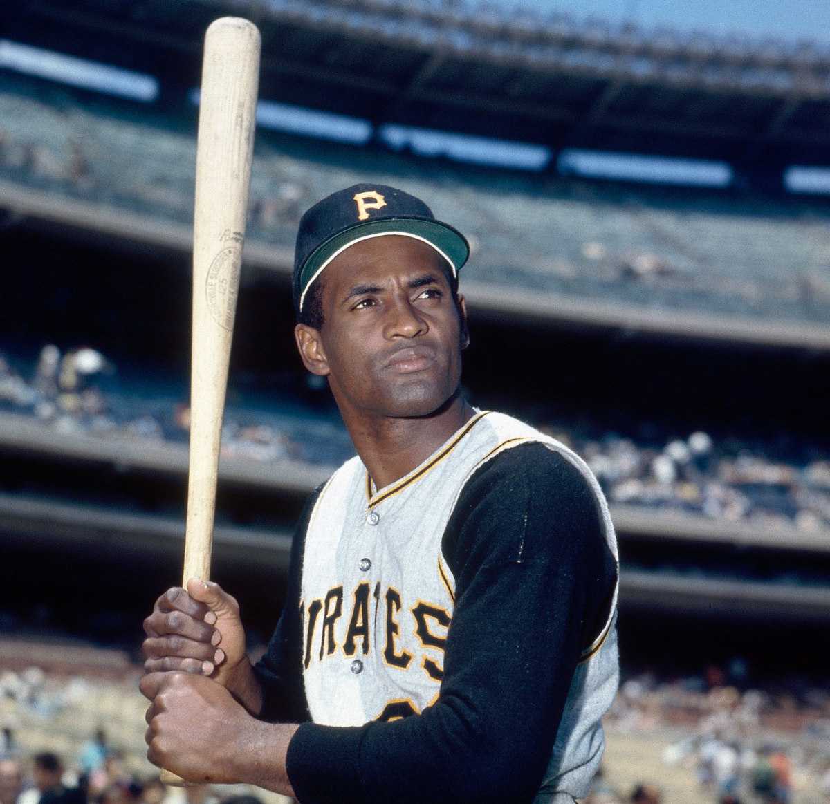 Roberto Clemente A Hero On And Off The Baseball Field