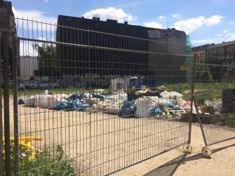 Bauschutt und Müll auf der Cuvrybrache