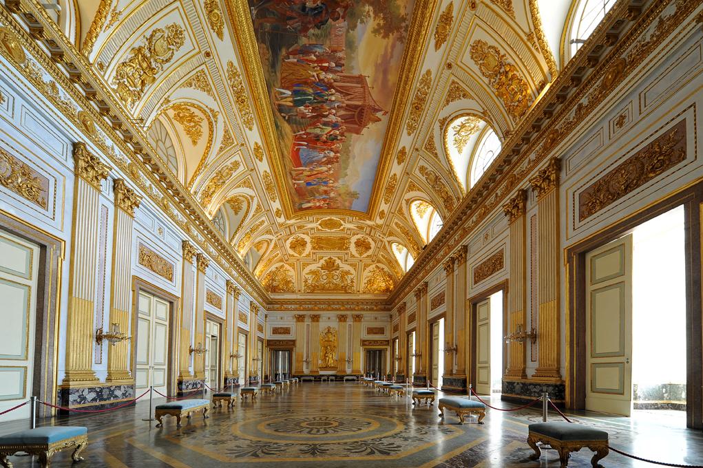 La reggia di caserta è la più grande residenza al mondo, voluta dal re di napoli, carlo di borbone. Reggia Di Caserta By Laurabuconi On Emaze