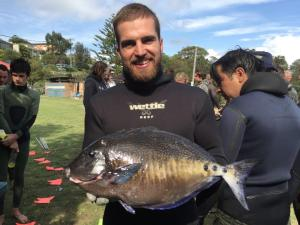 Sans Souci's Evan 'wee willie' Leeson with a great Yellow Spot Surgeon fish of 2.645kgs