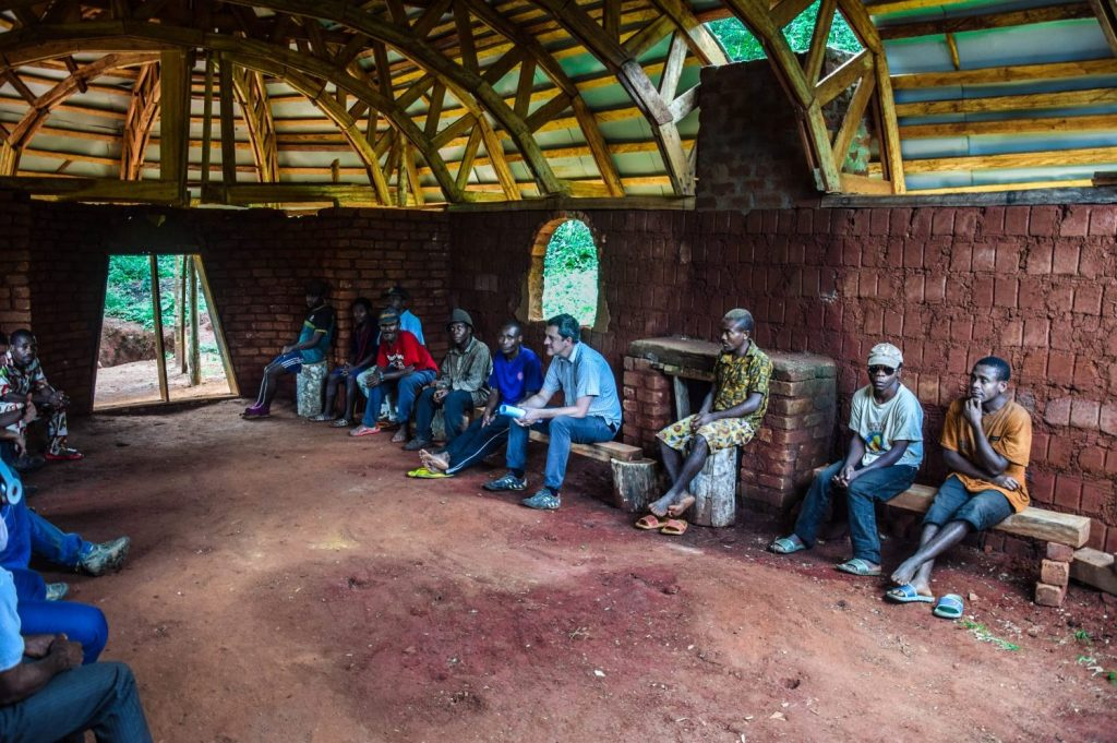 Meeting with Pygmy community around Somalomo