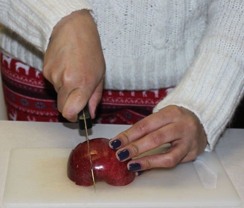 Chopping apples-step 1
