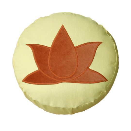 Meditatiekussen met lotus, terracotta op lichtgeel