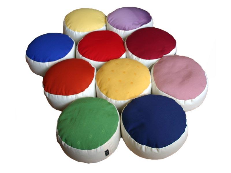 Serie regenboog meditatiekussens