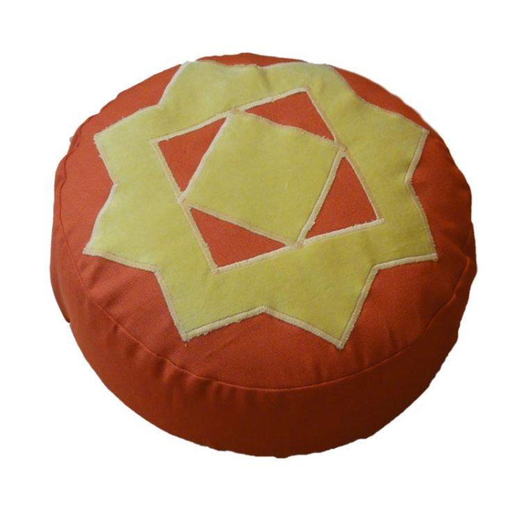 Meditatiekussen met achthoekige ster, zandgeel op terracotta