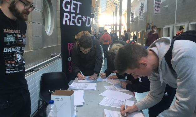 18,000 students register to vote