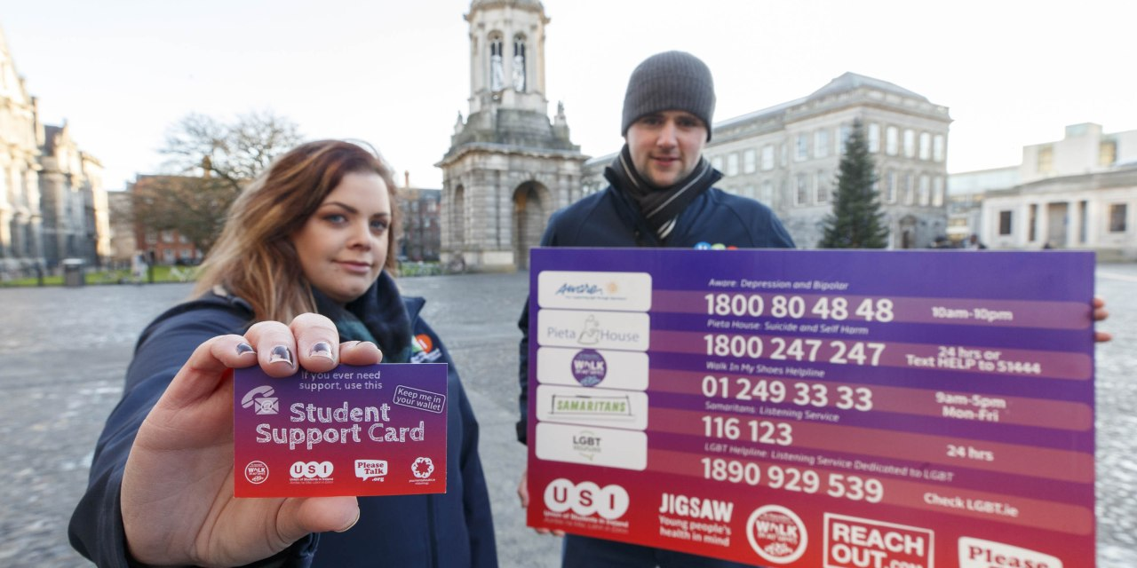 USI Hands Out 20,000 Student Support Cards During Christmas Exams