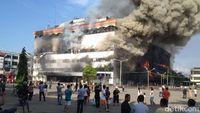 Terdengar Ledakan Berkali-kali, Polisi Imbau Warga Jauhi Gedung Medan Plaza