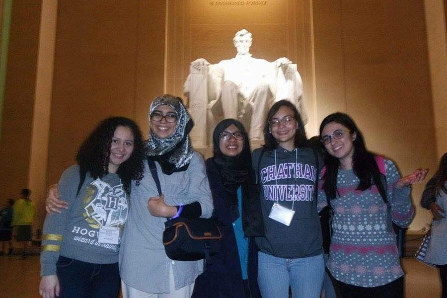 Deena+Bregheith+%28far+right%29%2C+a+junior+English+major%2C+joins+her+friends+in+front+of+the+Lincoln+Memorial+during+her+trip+to+Washington%2C+D.C.+