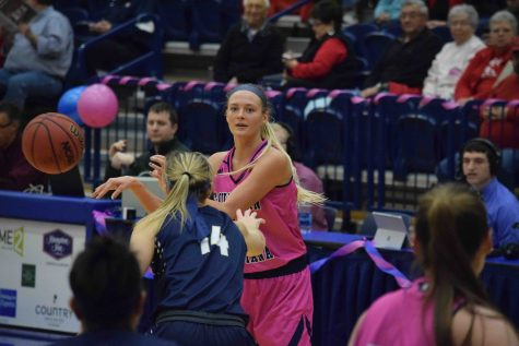 Women's basketball exits GLVC Tournament after one game