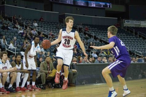 Men fall out of GLVC tournament during first round