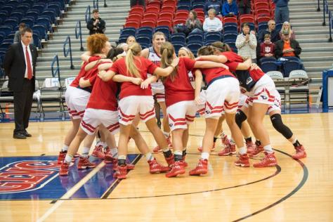 Women's basketball team to walk for a cure