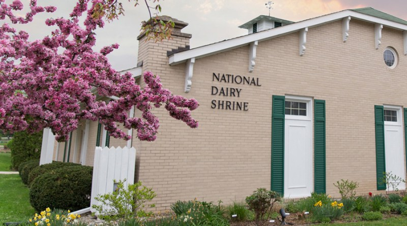 National Dairy Shrine Seeks Award Nominations