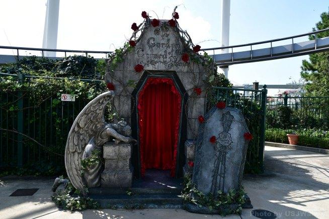 呪われた薔薇園 Garden of the Cursed Rose