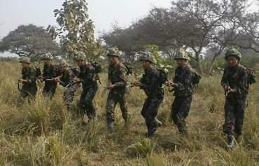 हतियार बोकेर नेपाल आएका भारतिय सेनाले थर्काएर निर्माण कार्य रोके