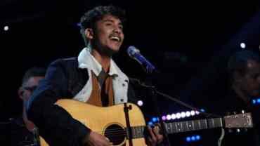 अमेरिकाको गायन रियालिटी शो अमेरिकन आइडलको उपविजेता बने नेपाली ठिटो दिवेश