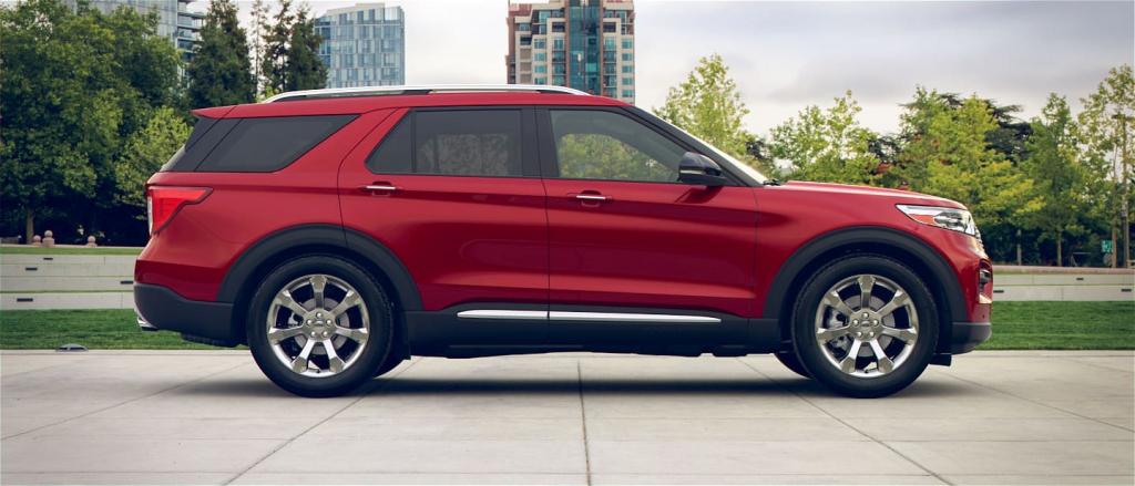 2021 Ford Explorer XLT Images