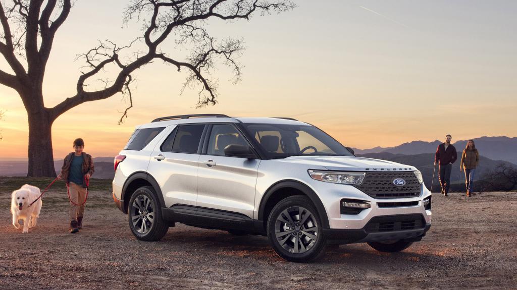 2021 Ford Explorer XLT Pictures