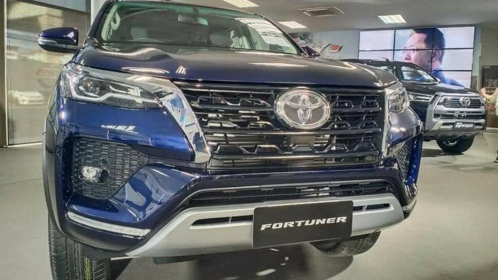 2022 Toyota Fortuner Wallpaper