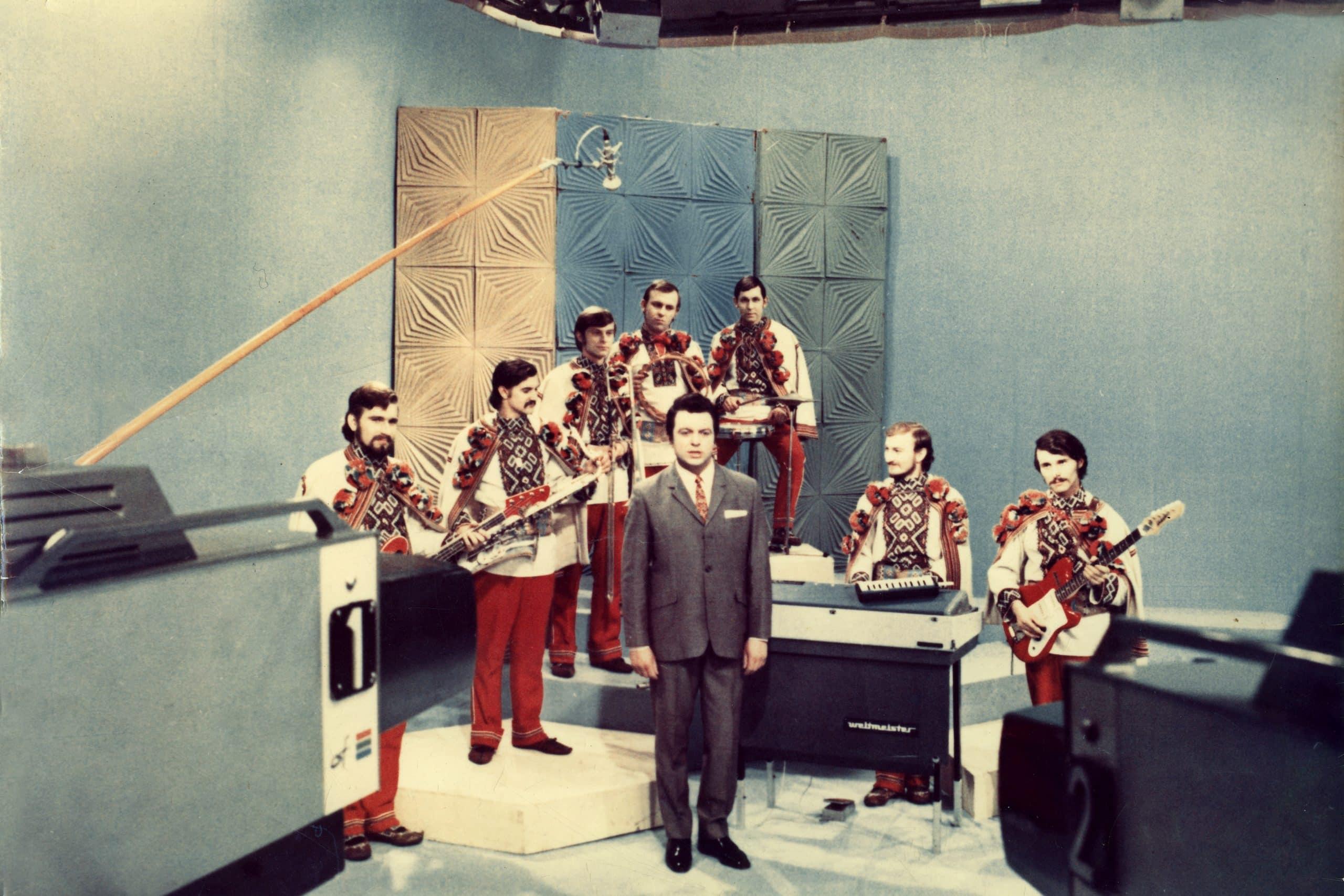 Тест: Сможете ли вы закончить строчки этих советских песен?
