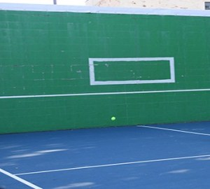 tennis-hitting-wall-tennis-ball-hoffmann