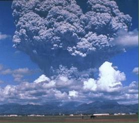 Erupción del volcán filipino Pinatubo, 1991