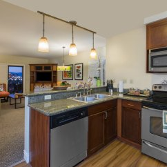 Las Vegas Hotels With Kitchen Prep Tables For Tahiti Village