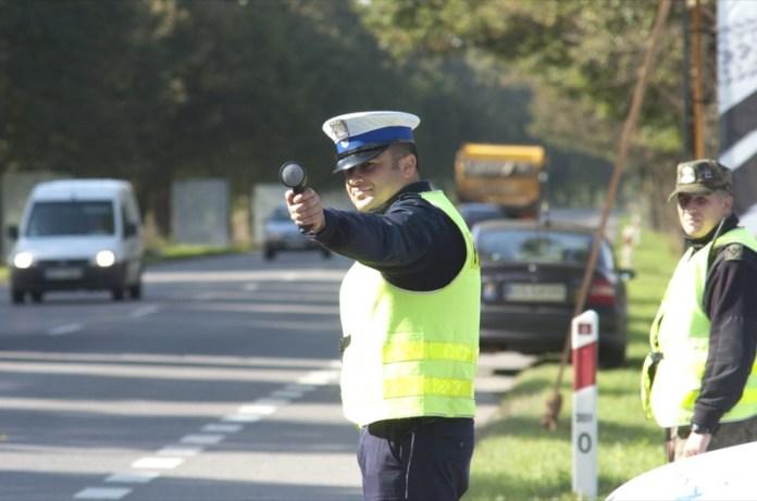 Policyjne kontrole na drogach powiatu w ramach akcji