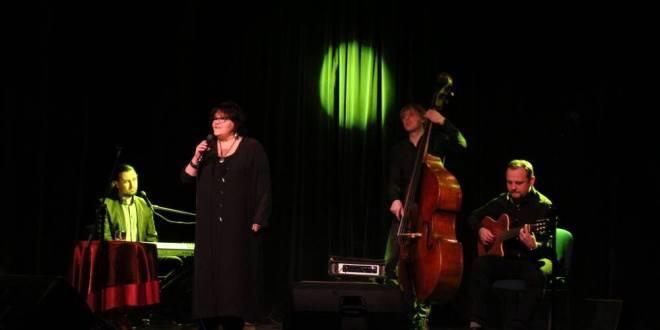 Elżbieta Adamiak zaśpiewa w usteckim Domu Kultury - ustka24.info