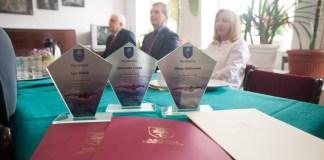 Burmistrz Ustki wręczył nagrody dla sportowców i przedstawicieli kultury - ustka24.info