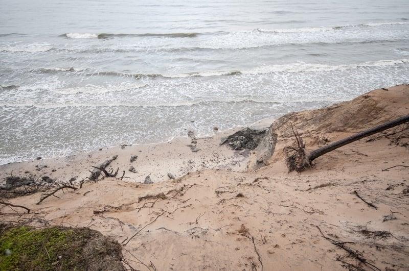 Kilkumilionowe straty na środkowym wybrzeżu po ostatnim sztormie - FOTO