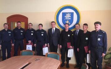 Burmistrz Ustki podziękował policjantom za skuteczną akcję medyczną - ustka24.info