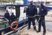 Policjanci uratowali tonącego w kanale portowym w Ustce mężczyznę - ustka24.info