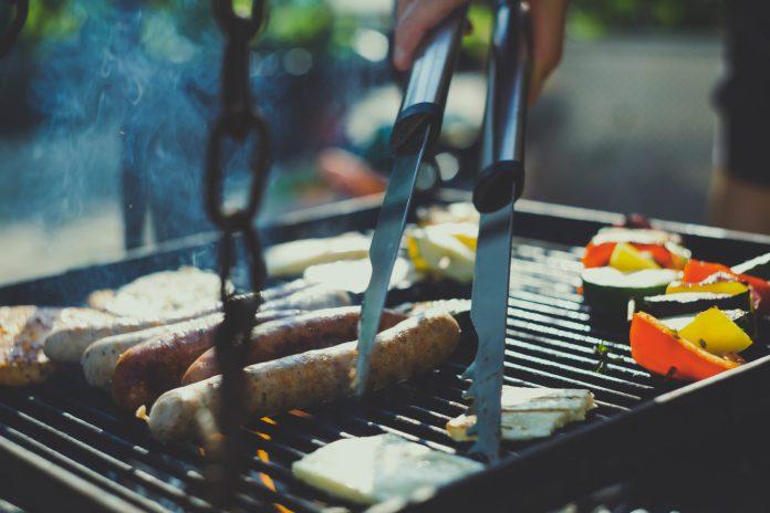 Jak prawidłowo grillować kaszankę? - ustka24.info