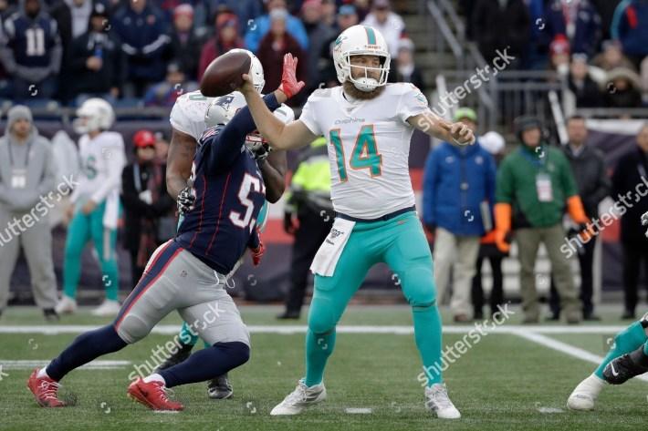 Miami Dolphins Quarterback Ryan Fitzpatrick Passes Under in Super Bowl 2019 Miami Dolphins