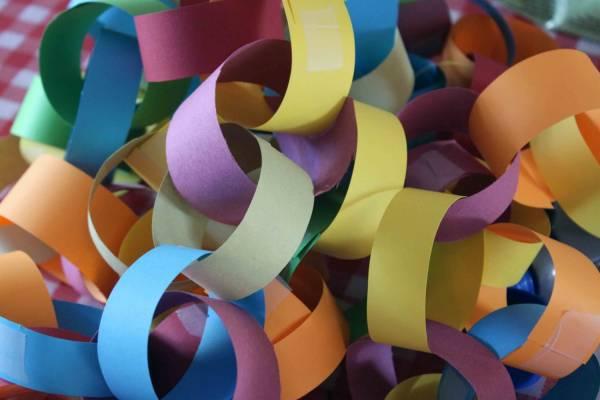 Новогодняя гирлянда бумажные цепи как сделать своими руками
