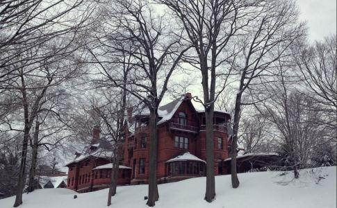 Mark Twain house in the snow