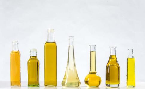 types-of-oil-in-bottles