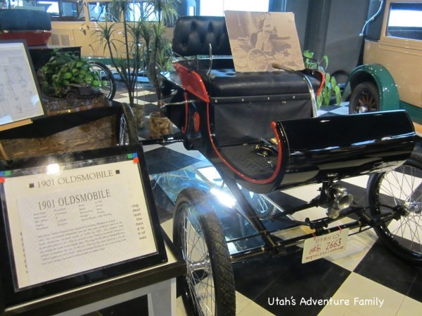We loved looking at this 1901 horseless carriage. I wouldn't have felt too safe riding around in this.