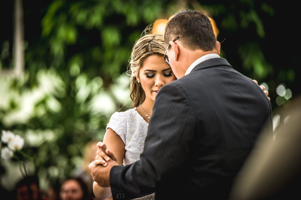 father daughter dance Ryan hender photography le garden wedding venue sandy utah