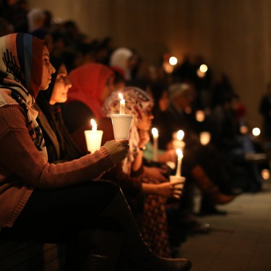 Hundreds gather at vigil for slain North Carolina Muslim students