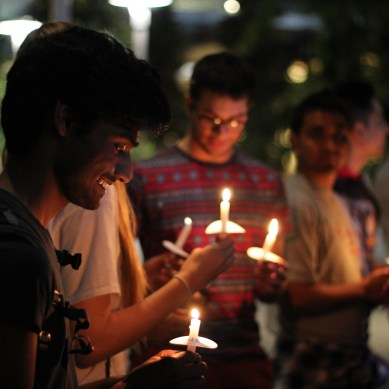 Hundreds gather at vigil for Nepal