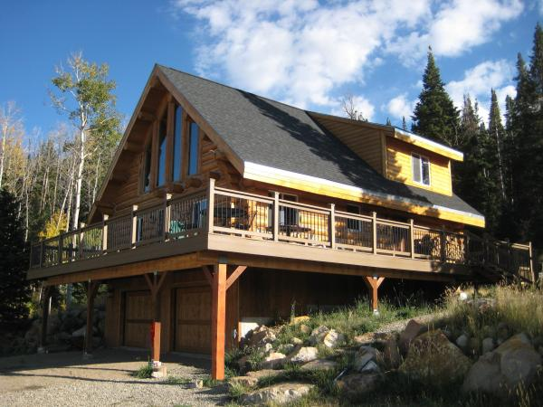 Exterior Custom Handcrafted & Milled Log Homes