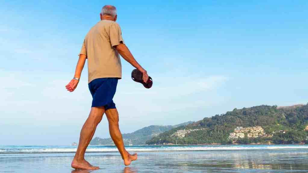 En promenad på stranden gav toppbetyg när forskarna undersökte vad som får oss att må bra. Foto: Pixabay/quimono