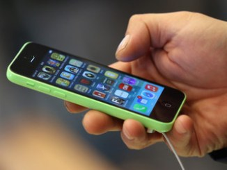 Apple Begins Selling iPhone 5