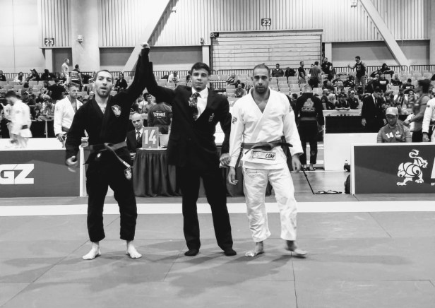 Jonathan Securing the Round 1 win at World Masters 2019