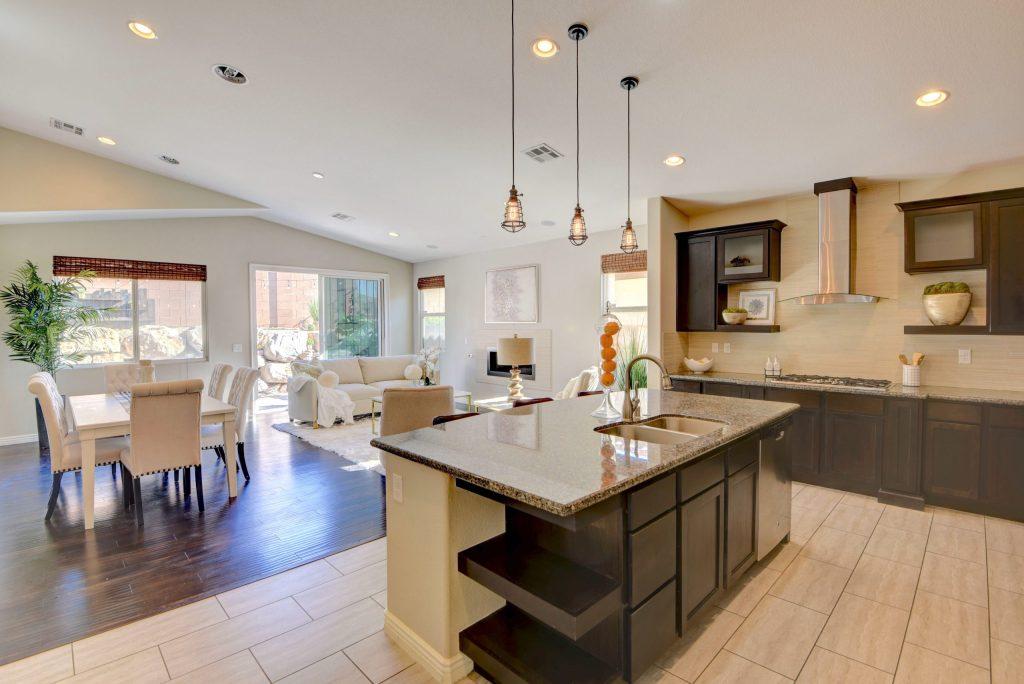 8030 Glimmerglass Ave Utopia Home Staging14