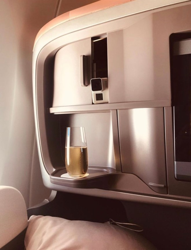 Singapore Airlines Business class review by Utravlr