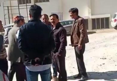 देखिए वीडियो:- रानीखेत के विधायक करन महरा का वीडियो वायरल,छात्र प्रतिनिधि को धमकाया